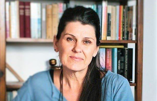 Read more about the article iatropedia.gr – Φαρμακευτική κάνναβη και γονείς σε απόγνωση για την χρήση της: Συνέντευξη της εκπροσώπου του ΜΑΜΑΚΑ