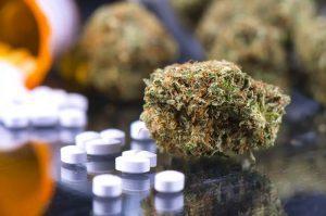 7 συνταγογραφούμενα φάρμακα που δεν αναμιγνύονται με την ιατρική χρήση της κάνναβης